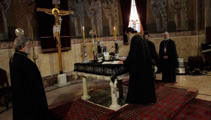 Με μάσκα υποχρεωτικά στην εκκλησία – Εξαιρούνται οι ιερείς