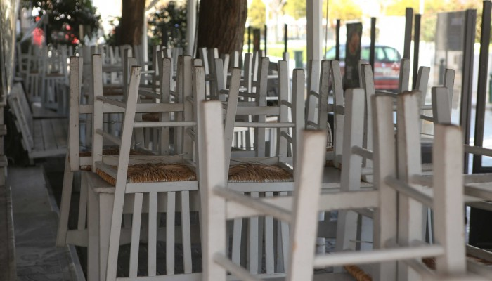 Βατόπουλος : Τα κρούσματα επιμένουν επαρχία – Πρέπει να αρθεί η έντονη πίεση στις ΜΕΘ