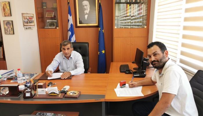 Υπογραφή σύμβασης έργου 219.000€ στο Δήμο Αμαρίου για τη βελτίωση οδοποιίας