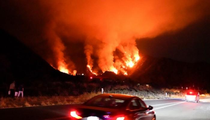 Τρομακτικός πυροστρόβιλος σαρώνει τα πάντα στο διάβα του στην Καλιφόρνια