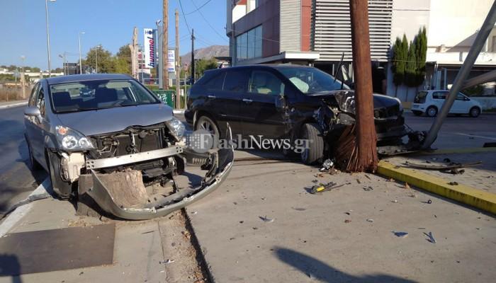 Τρομερή σύγκρουση δύο αυτοκινήτων στην λεωφόρο Σούδας στα Χανιά (φωτο)