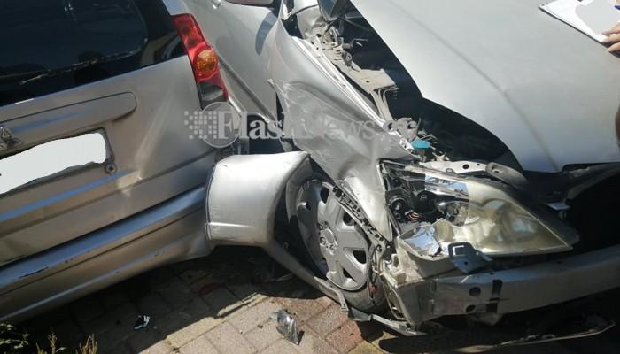 Τροχαίο ατύχημα σε κεντρική διασταύρωση των Χανίων (φωτο)