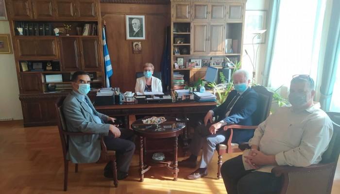 Eθιμοτυπική επίσκεψη του Προέδρου της ΕΑΑΣ στην Αντιπεριφερειάρχη Ρεθύμνης