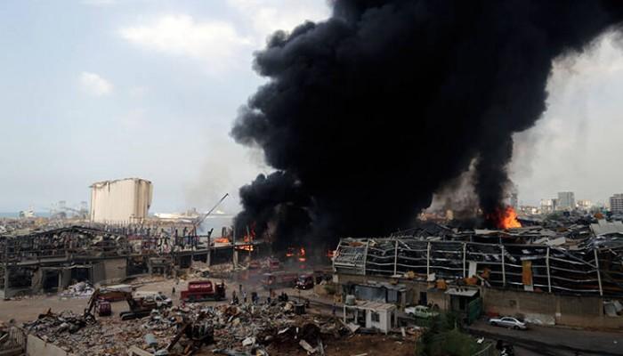 Φωτιά στο λιμάνι της Βηρυτού: Δολιοφθορά βλέπει ο πρόεδρος του Λιβάνου