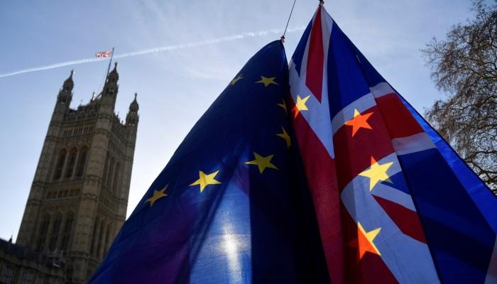 Brexit: Ακόμη και 7.000 νταλίκες θα μπλοκάρουν στα σύνορα αν δεν βρεθεί συμφωνία
