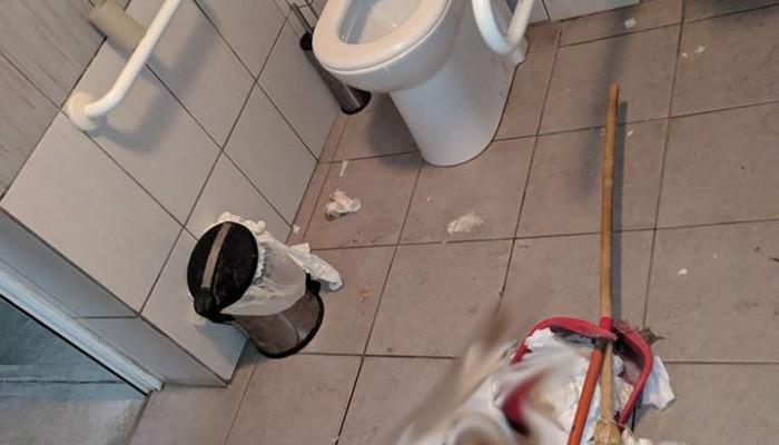 Άθλια εικόνα σε δημοτικές τουαλέτες στα Χανιά - Τι έκανε ο Δήμος Χανίων (φωτο)