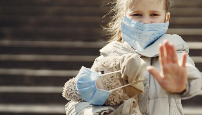 Μάσκα: Ποιοι δεν είναι υποχρεωτικό να φοράνε - Τι ισχύει για τα παιδιά