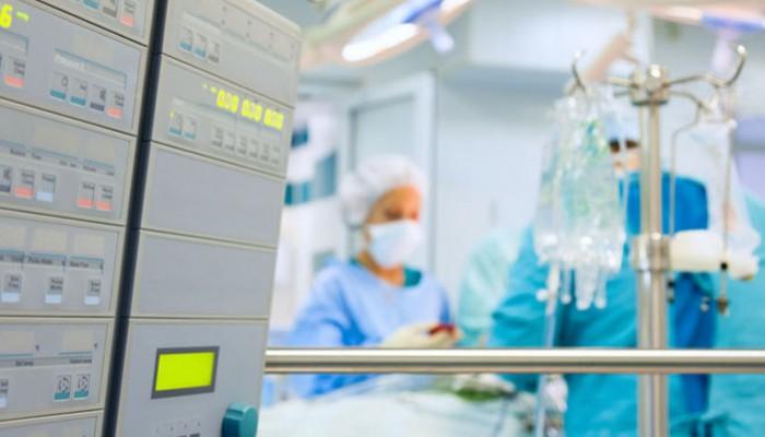 SOS από τα νοσοκομεία: Αδειάζουν κρεβάτια ΜΕΘ στον Ευαγγελισμό για ασθενείς με κορωνοϊό