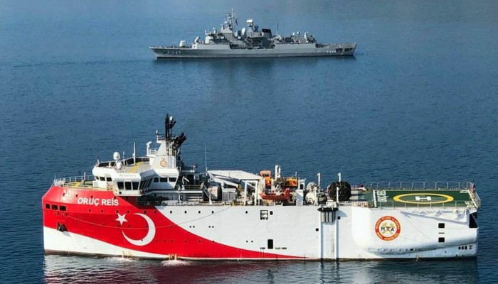 Μπαράζ επαφών του Ερντογάν για να προλάβει τις κυρώσεις–Έμπρακτη αποκλιμάκωση ζητά η Αθήνα