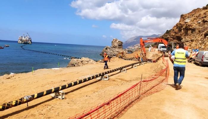 Άρχισε η πόντιση του καλωδίου της ηλεκτρικής διασύνδεσης της Κρήτης με την Πελοπόννησο