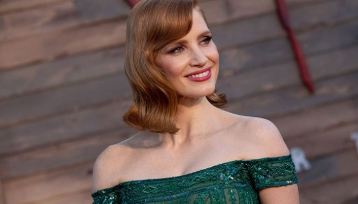 To beauty trick της Jessica Chastain για να μυρίζετε υπέροχα όλη μέρα!