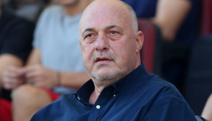 Κορονοϊός: Παραμένει στο νοσοκομείο ο Αχ. Μπέος! Τι λένε οι γιατροί που τον παρακολουθούν