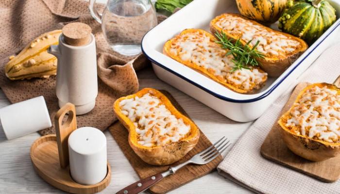Γλυκοκολοκύθα γεμιστή με αρνίσιο κιμά και κατσικίσιο τυρί