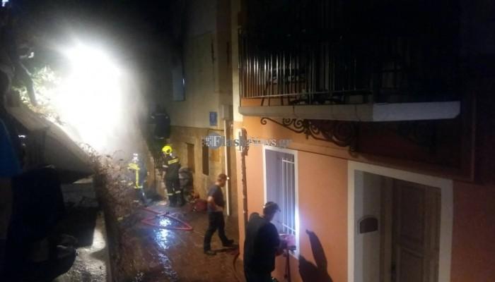 Έβαλε φωτιά και έκαψε το σπίτι για να