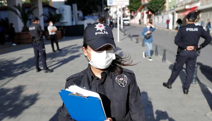 Νέα εκτόξευση κρουσμάτων στην Τουρκία – «Γονατίζει» η Κωνσταντινούπολη, έρχονται νέα μέτρα