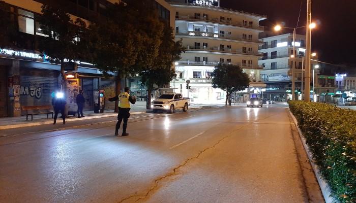 Τα Χανιά λίγη ώρα μετά την απαγόρευση κυκλοφορίας στις 21.00 (φωτο)
