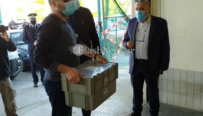 Ξεκίνησε ο εφοδιασμός των Νοσοκομείων της Κρήτης με τα εμβόλια (φωτο - βίντεο)