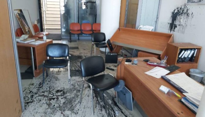 Η ΝΟΔΕ Ηρακλείου για την επίθεση στα γραφεία του Λευτέρη Αυγενάκη