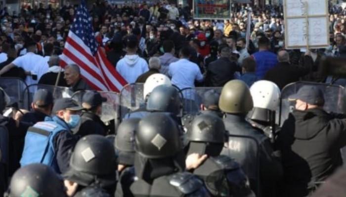 Επεισοδιακή διαδήλωση Αλβανών στα Σκόπια