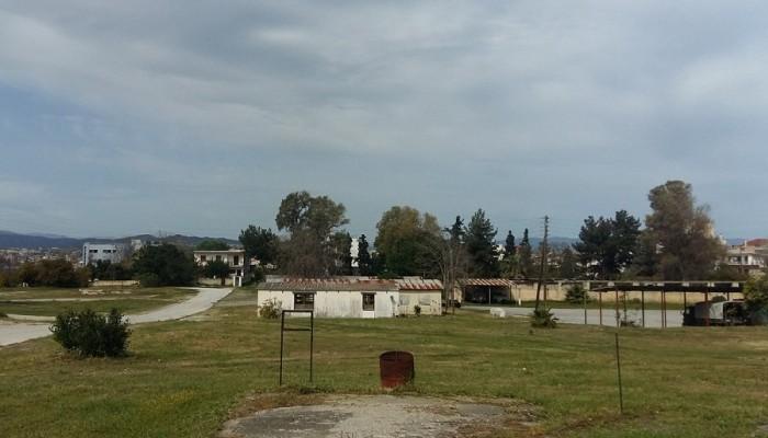 Παρέμβαση για το στρατόπεδο Μαρκοπούλου: Μόνο χρήσεις πρασίνου και αθλητισμού