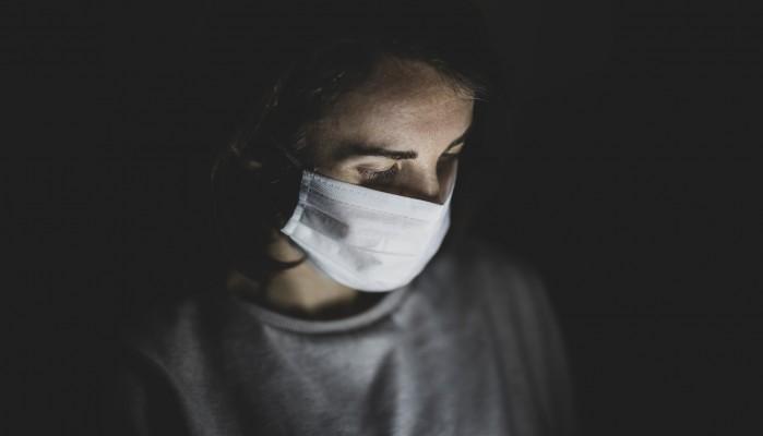 Κορωνοϊός: 8 συμπτώματα που δεν πρέπει να αγνοήσετε ακόμη και αν έχετε «περάσει» Covid-19