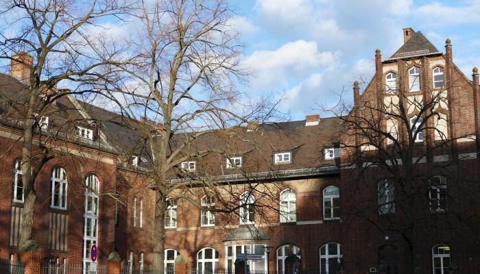 Το Πανεπιστημιακό Νοσοκομείο Βερολίνου περιορίζει τα τακτικά χειρουργεία λόγω Covid-19