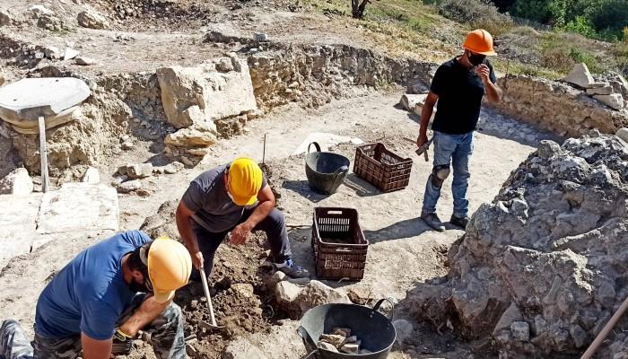 Ο Περιφερειάρχης στις ανασκαφές του Αρχαίου θεάτρου της Γόρτυνας