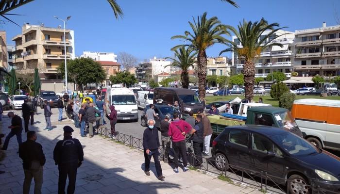 Μηχανοκίνητη διαμαρτυρία από τους παραγωγούς των λαϊκών αγορών στην Κρήτη