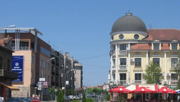 Σερβία: Καταγγελίες κατά του δημάρχου της πόλης Γιαγκοντίνα για διοργάνωση οργίων
