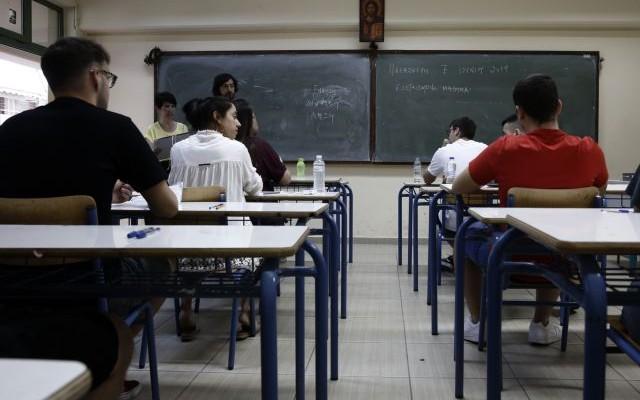 Ανοιγμα σχολείων: Αντίστροφη μέτρηση για την επιστροφή των μαθητών στα θρανία με self test