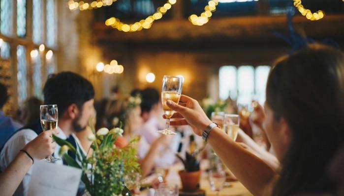 Τι λένε Χανιώτες επιχειρηματίες για το όριο των 100 ατόμων σε γάμους και βαφτίσεις