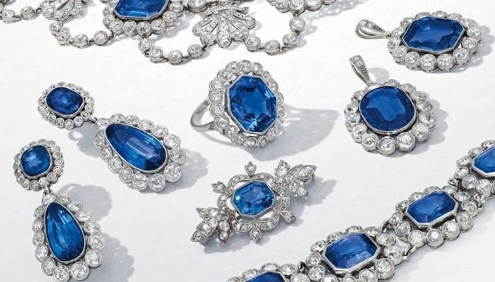 Ελβετία: Βγήκαν στο «σφυρί» τα κοσμήματα της υιοθετημένης κόρης του Ναπολέοντα