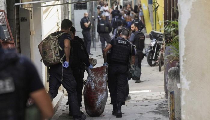 Πνίγηκε στο αίμα φαβέλα στο Ρίο ντε Τζανέιρο – 25 νεκροί σε επιχείριση της αστυνομίας