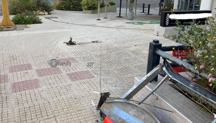 Τροχαίο ατύχημα στα Χανιά: Αμάξι κόντεψε να μπει μέσα σε επιχείρηση (φωτο)