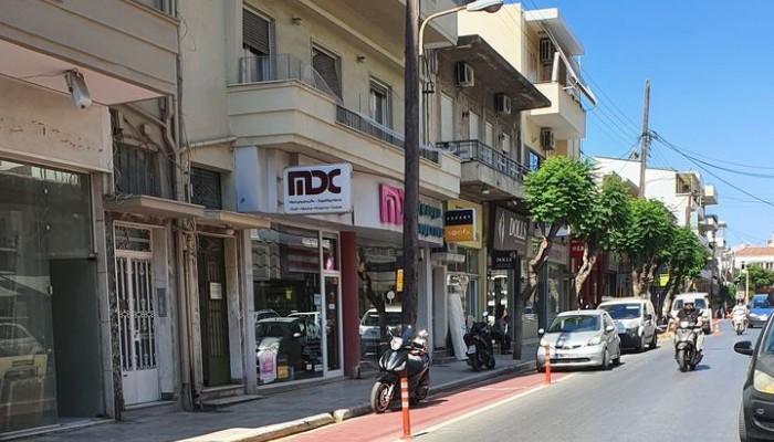 Χανιά: Ο ποδηλατόδρομος στην Κυδωνίας μετατρέπεται (συχνά) σε ωραίο πάρκινγκ (φωτο)