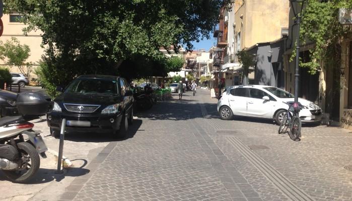 Οδός Τσουδερών ή αλλιώς το ''ξέφραγο'' αμπέλι (φωτο)