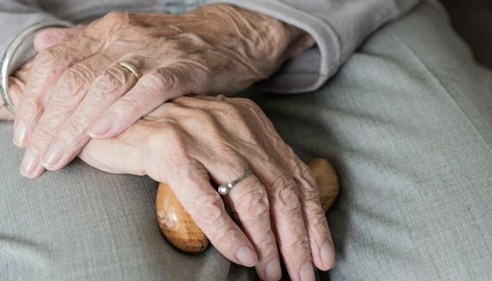 Εξαπάτησε ηλικιωμένη και της πήρε κοσμήματα για τη δήθεν νοσηλεία του γιου της