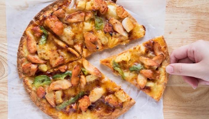 Πίτσα – τορτίγια με κοτόπουλο μπάρμπεκιου