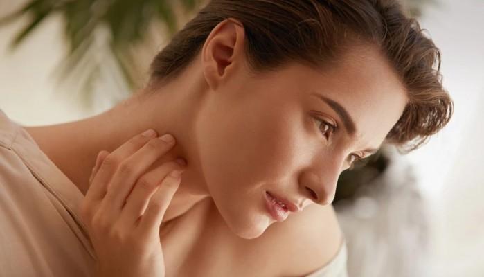 Οι συνήθειες που πρέπει να σταματήσετε αν θέλετε νεανικό δέρμα