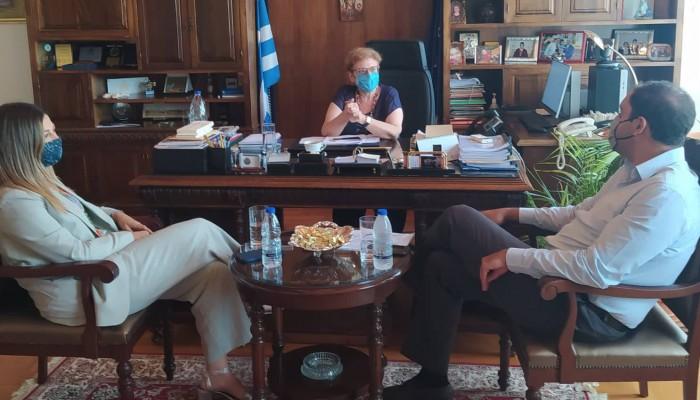 Συνάντηση με την Αντιπεριφερειάρχη Ρεθύμνης είχε σήμερα η Υφυπουργός Τουρισμού Σ. Ζαχαράκη