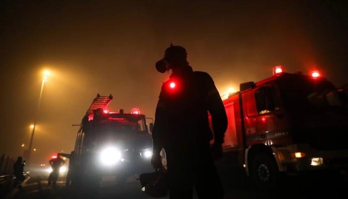Πύρινος εφιάλτης στην Αττική: Πέρασε την Εθνική Οδό η πυρκαγιά – Δραματικές εξελίξεις
