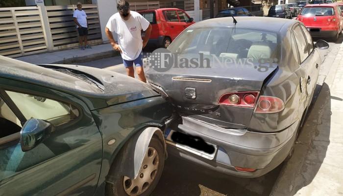 Χανιά: Σφοδρή σύγκρουση αυτοκινήτων στο κέντρο της πόλης (φωτο)
