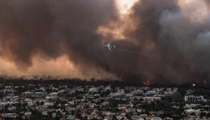 Κόλαση φωτιάς σε Βαρυμπόμπη, Τατόι, Θρακομακεδόνες: Κάηκαν σπίτια – Ελπίδες στα εναέρια
