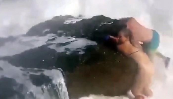 Συγκλονιστικό βίντεο με τη μάχη δύο ανθρώπων στη φουρτουνιασμένη θάλασσα