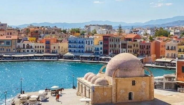 Στην Κρήτη το καλοκαίρι δεν τελειώνει - Αφίξεις τουριστών μέχρι τον Νοέμβριο