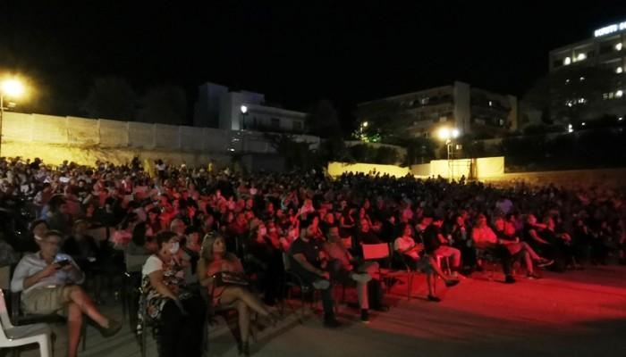 Πλήθος κόσμου την 1η ημέρα του φεστιβάλ ΚΝΕ-ΟΔΗΓΗΤΗ στα Χανιά