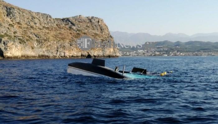 Απίστευτο! Ημιβυθισμένο σκάφος από την Κύθνο έφτασε μέχρι τα Χανιά! (φωτο)