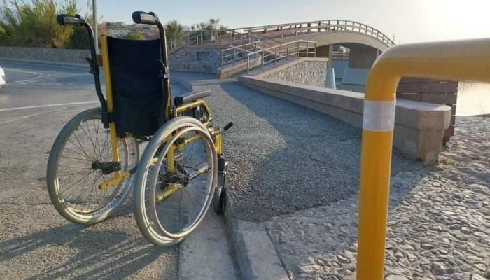 Ποδηλάτρεις: Η νέα πεζογέφυρα αποδεικνύεται μη προσβάσιμη σε ΑμεΑ, καρότσια και ποδήλατα