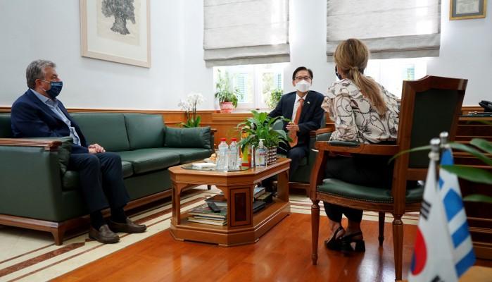 Συνάντηση Περιφερειάρχη Κρήτης με τον Πρέσβη της Κορέας