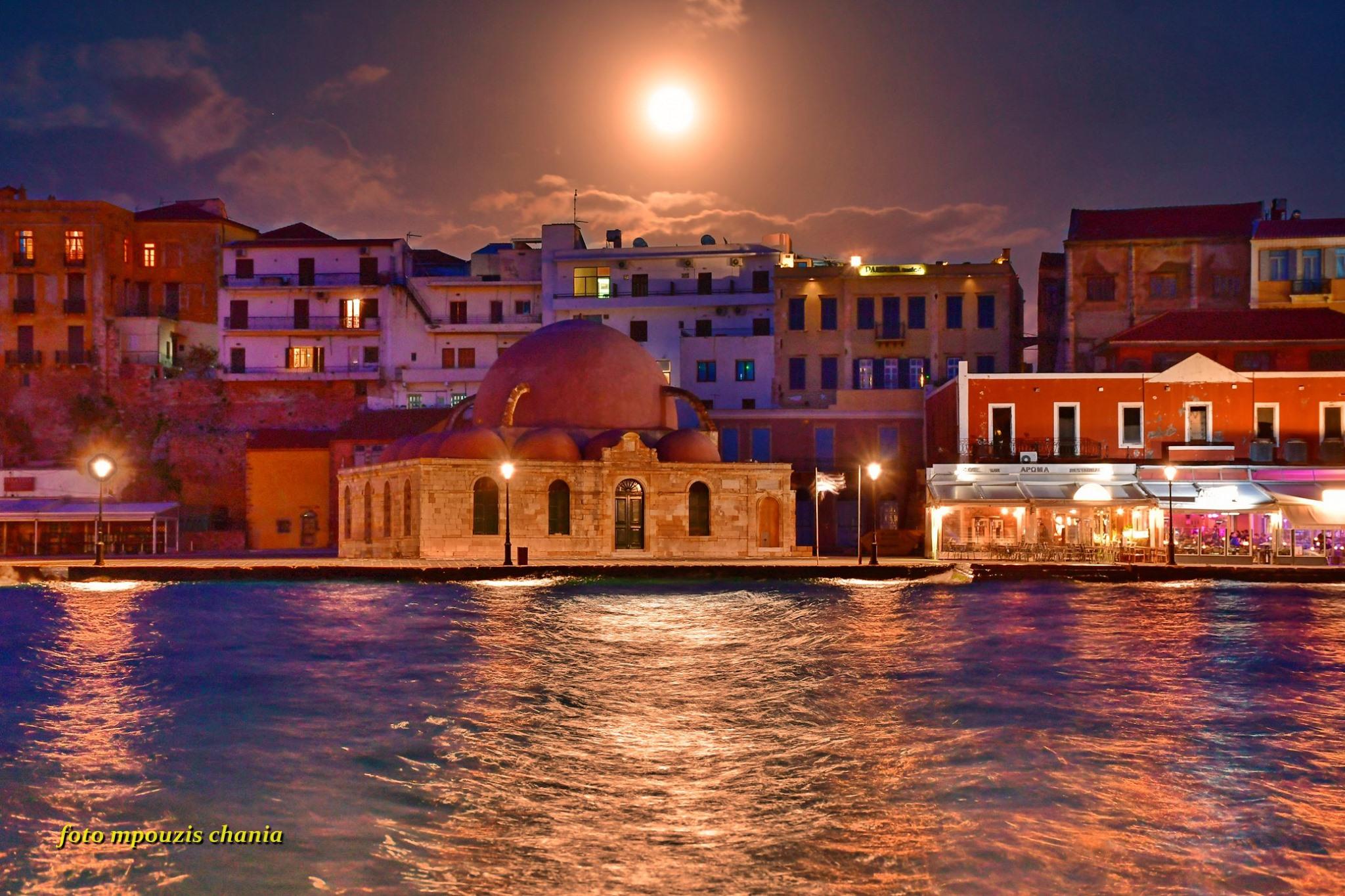 Μαγευτική η υπερπανσέληνος στα Χανιά (φωτο) - Flashnews.gr